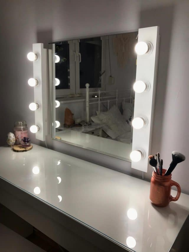 Przenośne oświetlenie do makijażu - Mobilny panel oświetleniowy z żarówkami dla makijażysty