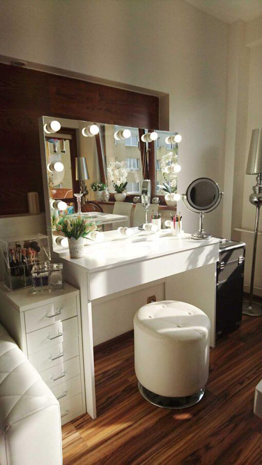 Stanowisko do makijażu VENUS z lustrem 70x100 OWT-14 z podstawką i toaletką LUNA M ECO (słupek ze zdjęcia nie jest naszym produktem)